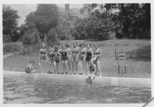 ROKEBY SWIMMERS AT POOL 1938